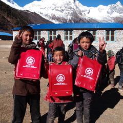 ネパール出張レポートVol.4 サマ村の子供たちにランドセル