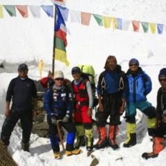 ご支援のお願い。エベレスト雪崩事故