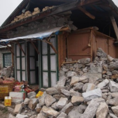 クムジュン村の家屋倒壊調査、2日目