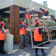 テント村の方々と共に総社市でボランティア
